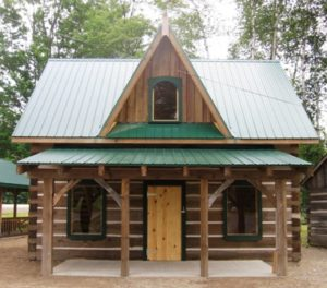 exterior of Tulloch-Carlyle Log House