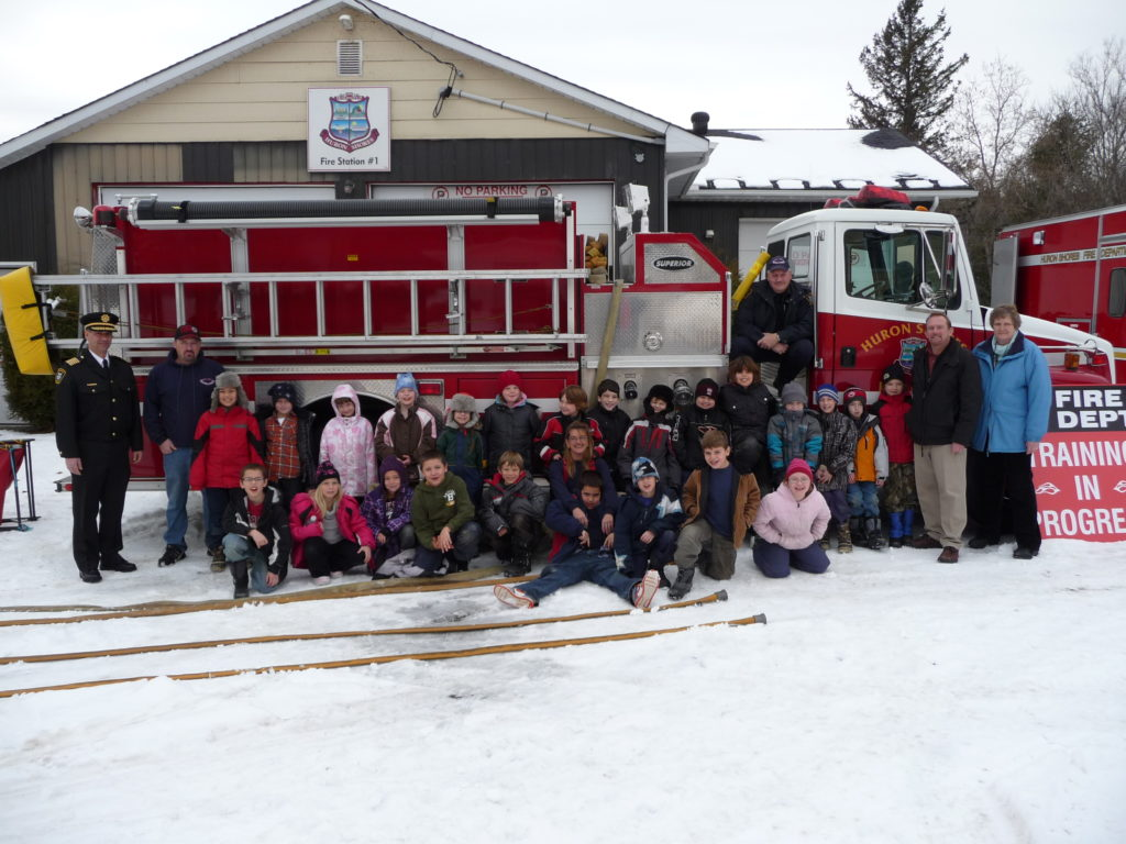 Mr. Pratt's Grade 3 Class at Station 1