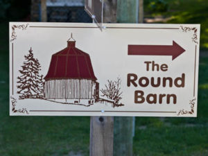 The Round Barn Sign